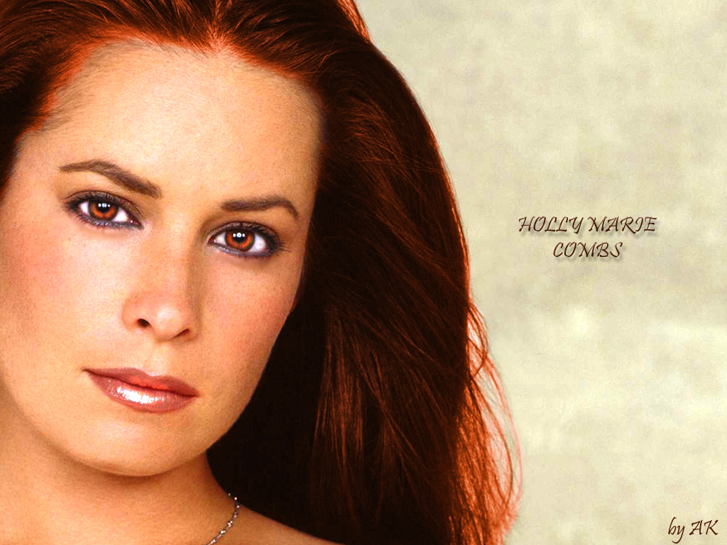 Holly Marie Combs - Photo Set